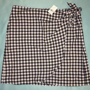 NWT loft gingham print skirt